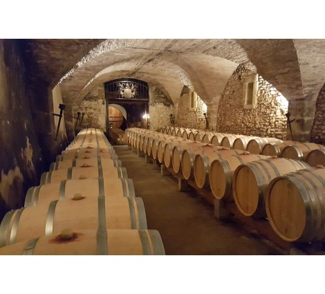 A prestigious cellar in Chateauneuf du Pape